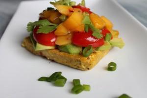 Vitaminreich ins neue Jahr: Bunter Salat auf Tofu