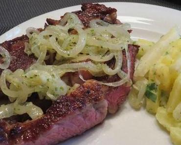 Ribeye-Steak mit Zwiebeln