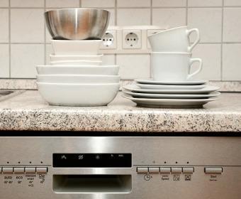 Tagesaufgabe Spülmaschine & Spülbecken reinigen
