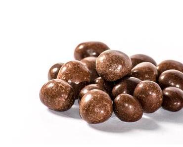 Mit-Schokolade-überzogene-Erdnüsse-Tag – der amerikanische National Chocolate Covered Peanuts Day