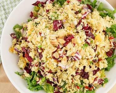 Couscous-Salat mit Orangen, Minze, Petersilie und Mandeln