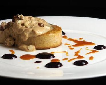 Froh zu sein bedarf es wenig: süße Grießschnitten mit Espresso-Kürbiskernespuma