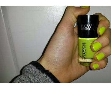 Naildesign: Catrice 80 Blurred Limes [Ostern]