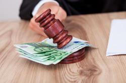Widerruf vom Darlehensvertrag: Banken lassen Verbraucher bei nötigen Anschlussfinanzierungen im Regen stehen