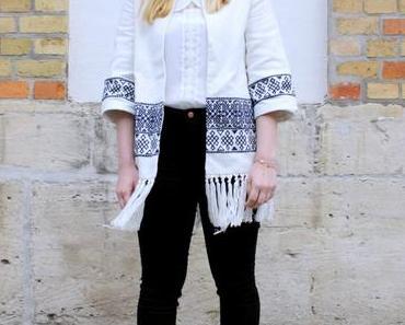Boho Chic: Zara Fransen Kimono mit Lace Up Heels