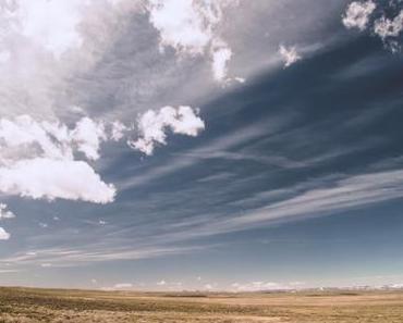 Der Uropa feiert eine Party im Himmel