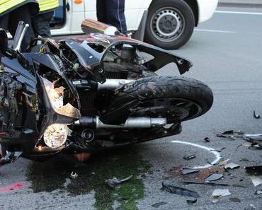 Motorradunfall Warstein – Biker verletzt sich schwer